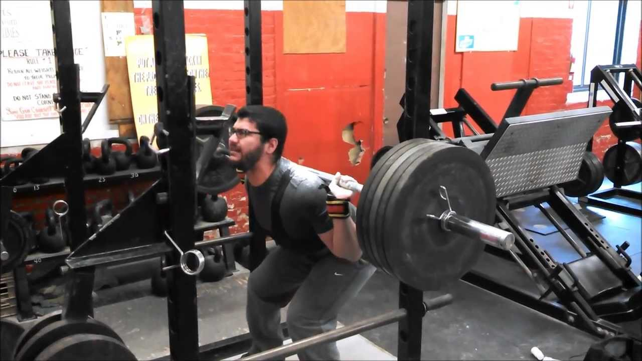 16 Year Old Powerlifter Adam Hamdan Squats Over 500 Pounds
